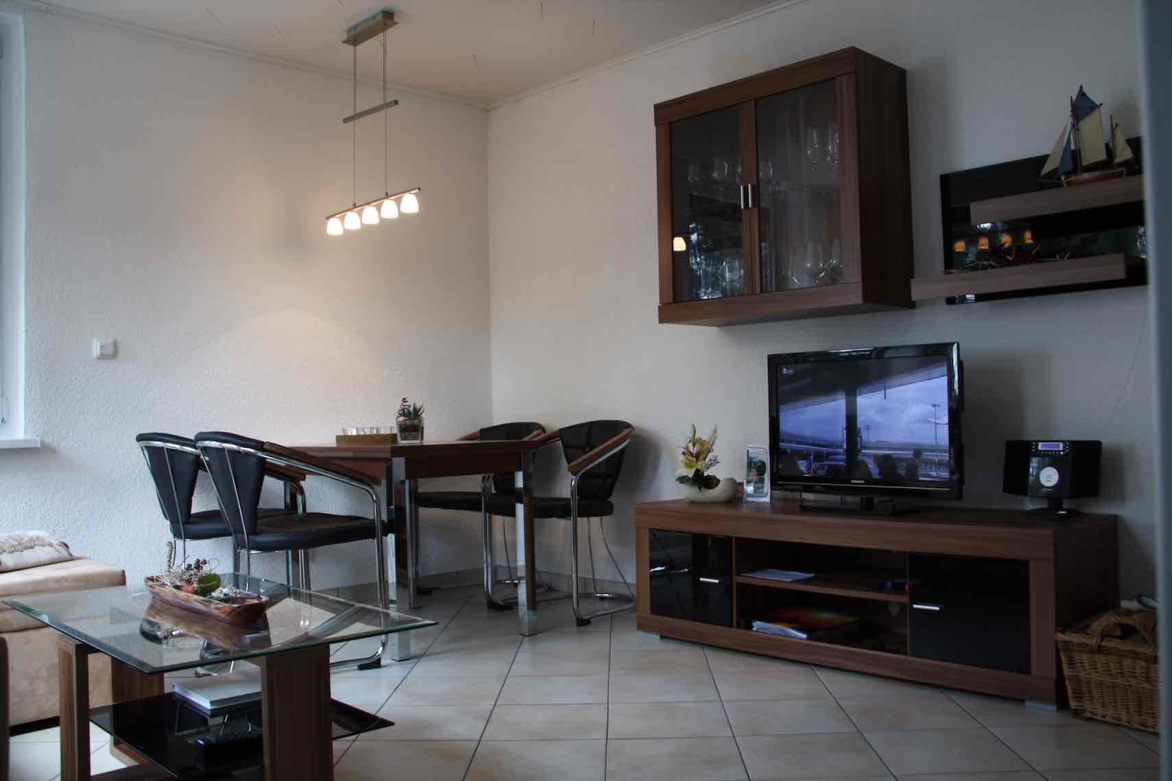 bilder von innen seebungalow. Black Bedroom Furniture Sets. Home Design Ideas